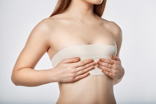 Différentes parties du corps féminin pour montrer où se pratiquent les liftings